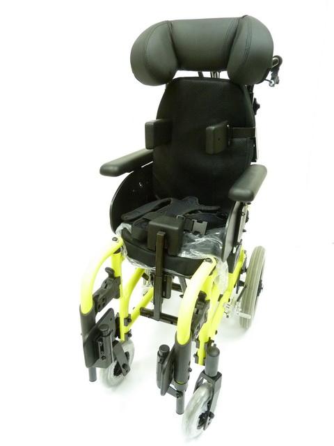 兒童特製輪椅